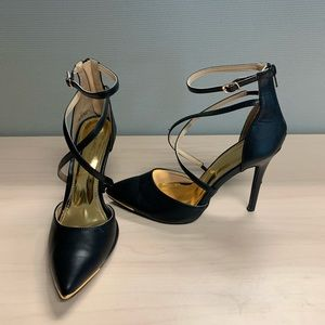 Shoes - Black & Gold Leather Heels Sz 10